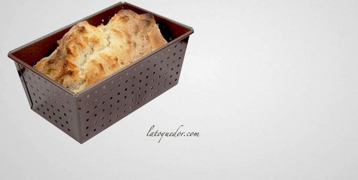 Moule à pain perforé anti-adhésif Gobel