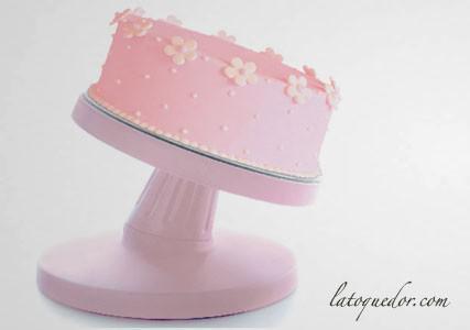 Présentoir à gâteau tournant et inclinable
